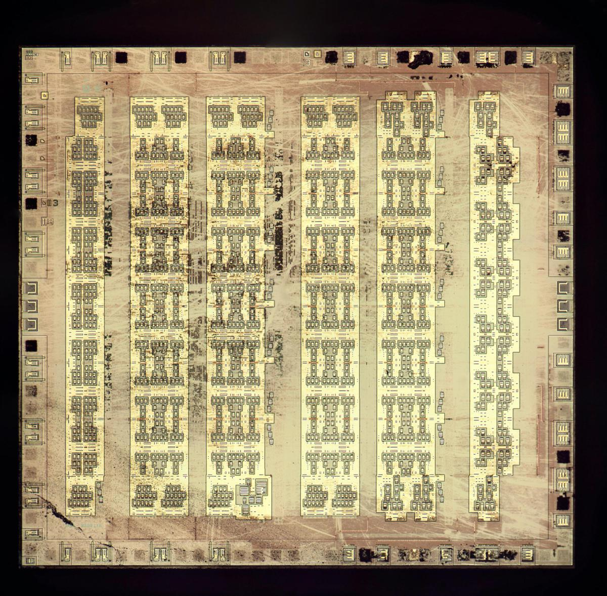 Die photo of the fake 8086 showing the underlying silicon. The metal layers were removed for this photo.