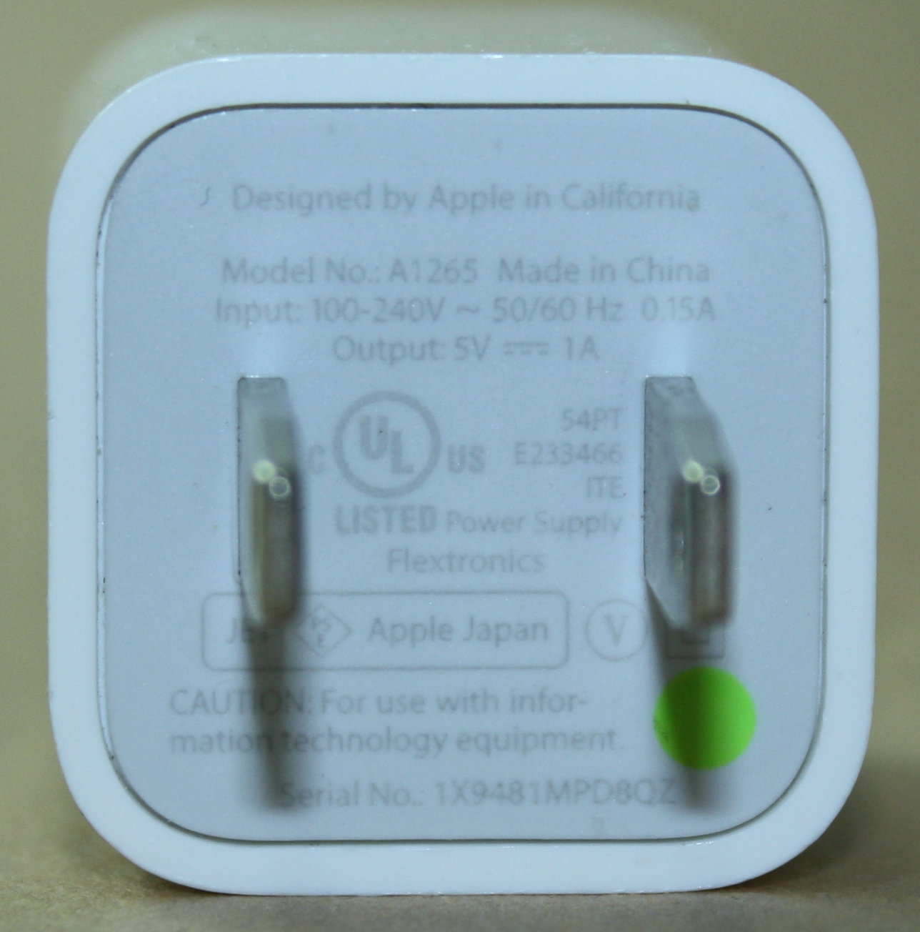 Apple Iphone Charger Teardown Quality In A Tiny Expensive Package Diagram Also Of Ipad Usb Cable Pinout On Serial Port Wiring Apples 2008 Safety Recall