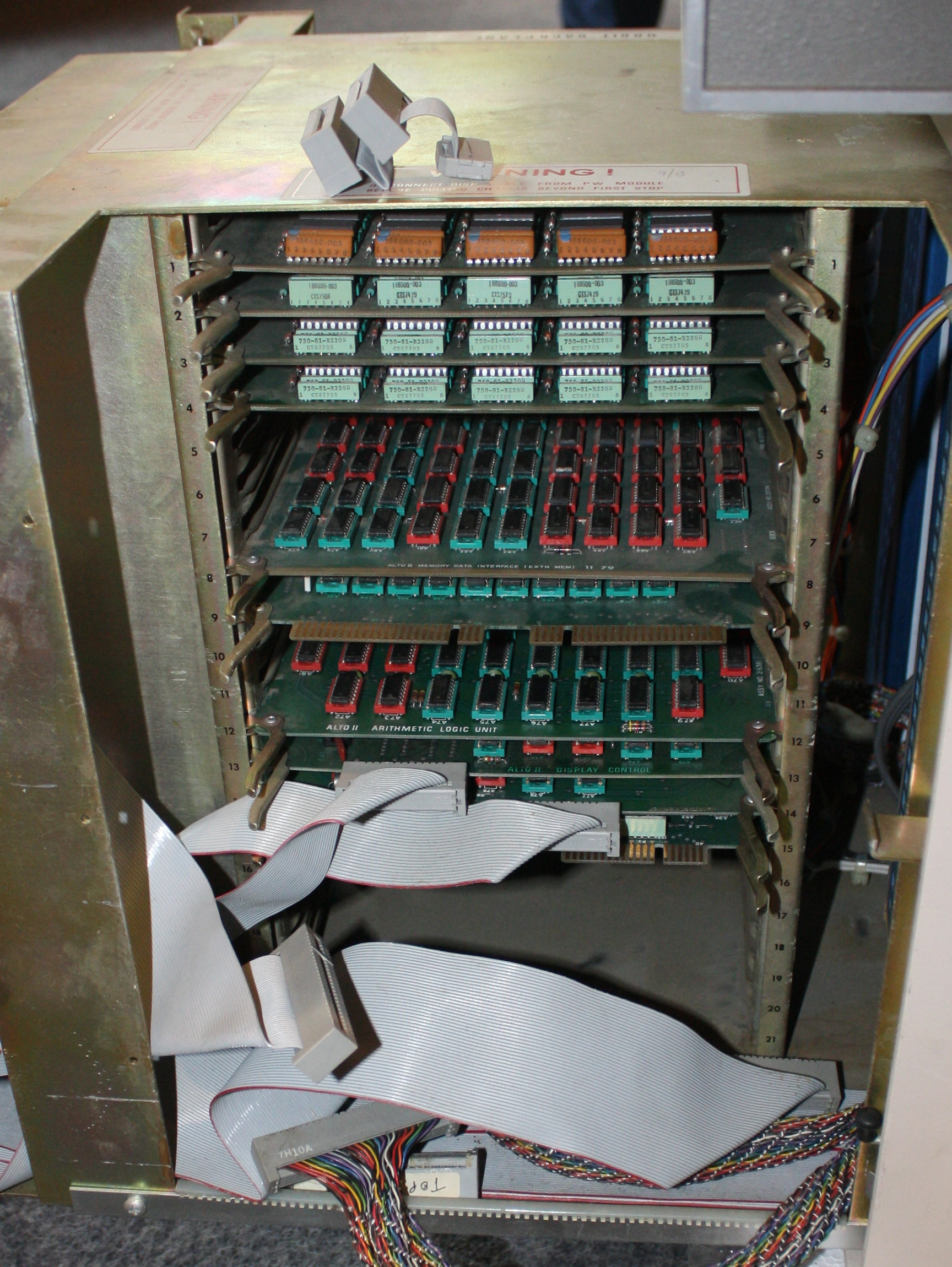 Ken Shirriffs Blog June 2016 Photo Tour How A Printed Circuit Board Is Made Extremetech The Xerox Alto Contains 21 Slots For Boards Each Crammed With Chips