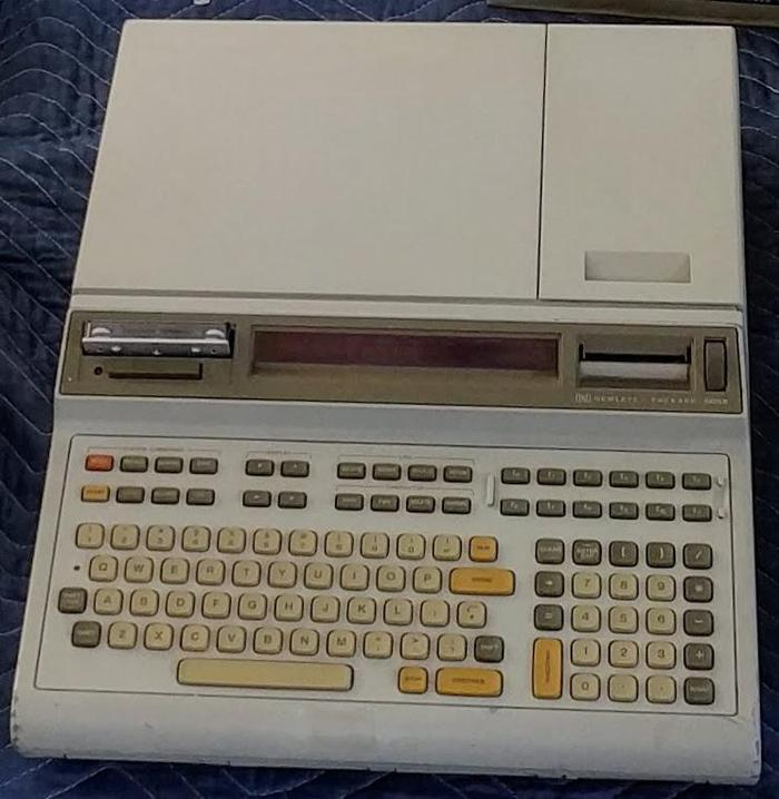 An HP 9825 with tape drive, LED display, and printer. From Marc Verdiell's collection.