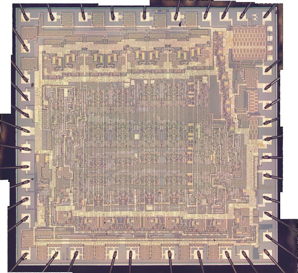 Die photo of the Motorola 6820 Peripheral Interface Adapter chip, composited with Hugin.