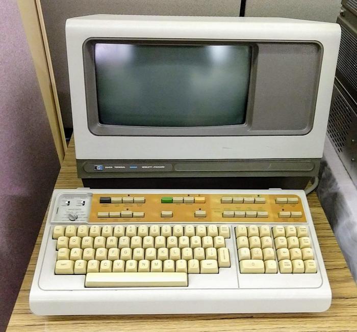 HP 2645A terminal