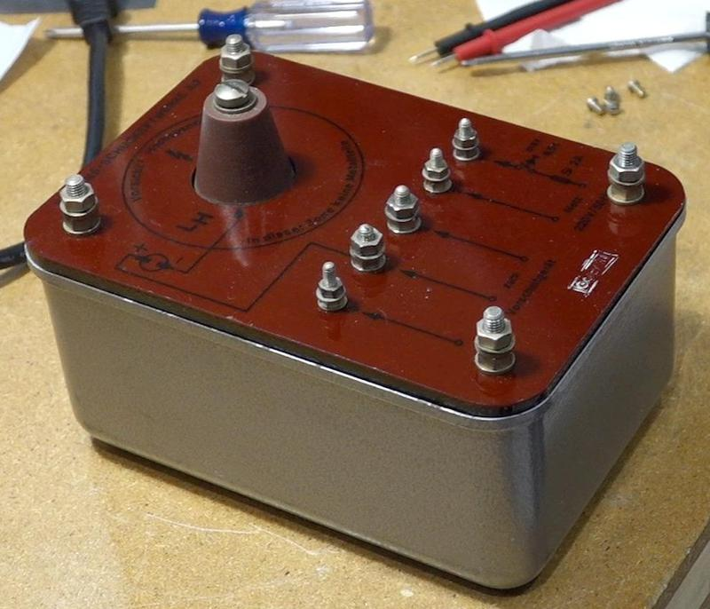 The igniter's output is on a cone sticking out of the box. It also has five screw terminals for the 220V input, ballast, and ground. Photo courtesy of Marc Verdiell.