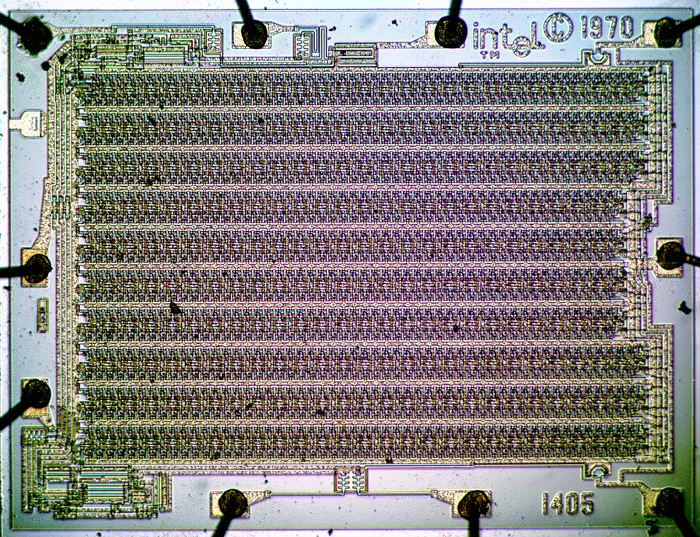 Die shot of the Intel 1405 MOS 512-bit shift register memory.