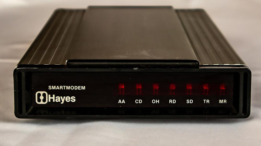 A Hayes modem from 1982. Photo by Aeroid (CC BY-SA 4.0).