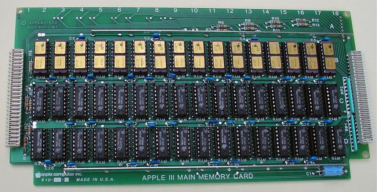 Apple III main memory card. Photo courtesy of DigiBarn, CC BY-NC 3.0
