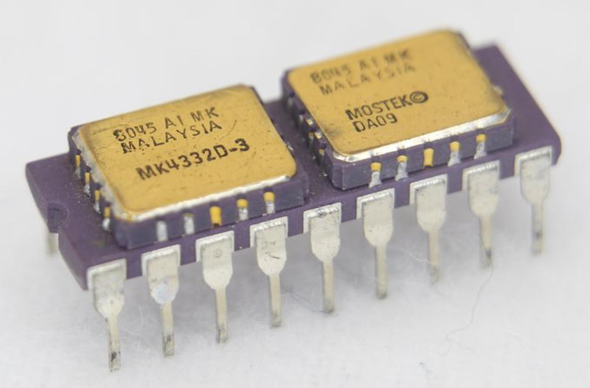 The MK4332 memory module combined two 16-kilobyte memory chips on a ceramic substrate.